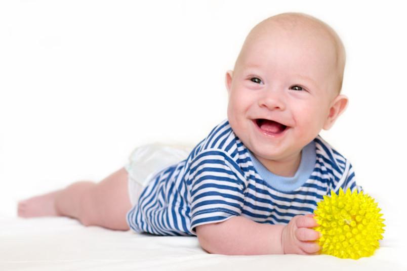 ninitest.com |    فعالیت هایی برای کودک 1 تا 4 ماهه