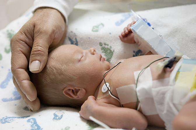 ninitest.com |    وضعيت تکامل کودکان نارس 4 تا 12 ماهه با سابقه بستري در بخش مراقبت هاي ويژه نوزادان بر اساس پرسش نامه ASQ