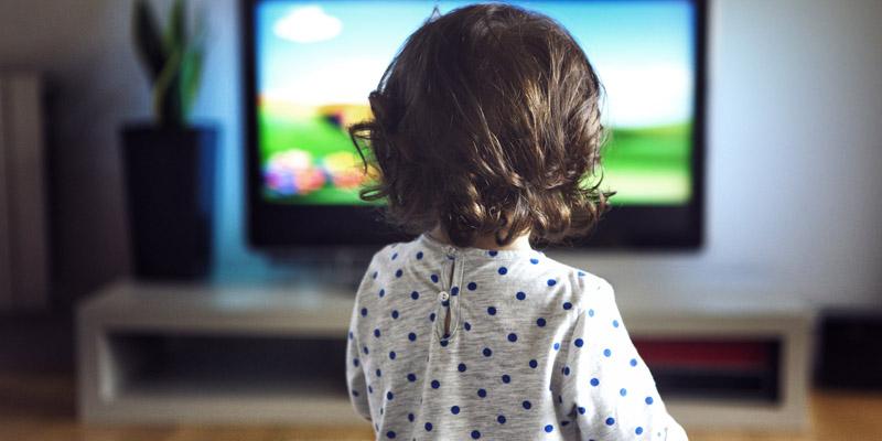 ninitest.com      کودکان و زمان استفاده از وسایل دارای نمایشگر (اسکرین تایم)